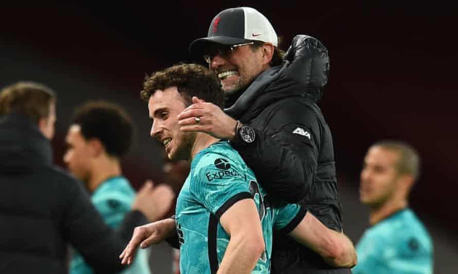 Jürgen Klopp congratulates Diogo Jota after Liverpool's dominant 3-0 Premier League victory against Arsenal on Saturday night