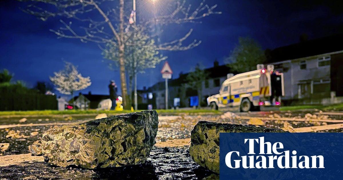 Northern Ireland clashes reflect loyalists' fear of marginalisation