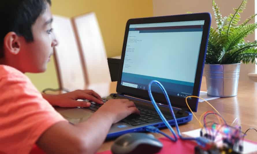 Benyamin Ahmed at work.