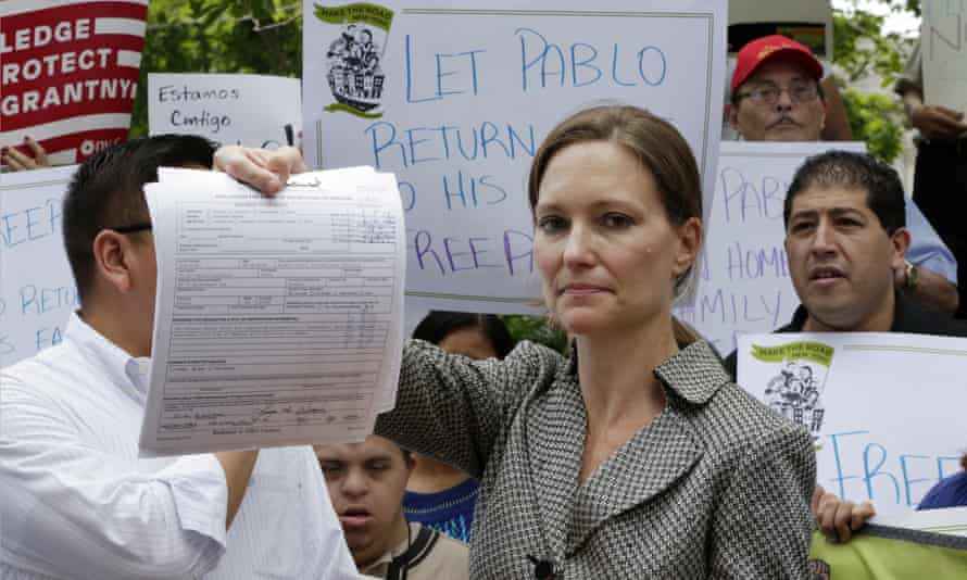 Jennifer Williams, the lawyer who represents Pablo Villavicencio, a pizza delivery worker detained by Ice, at a rally in New York.