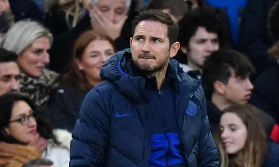 Frank Lampard watches on as his Chelsea side lose to Southampton.