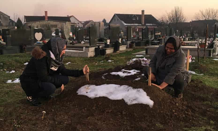 Madina's grave