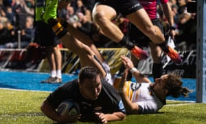 Jamie George crashes over for his try at Allianz Park.