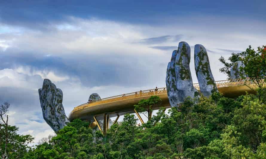 Cau Vang (Golden Bridge), Ba Na Hills, Vietnam.