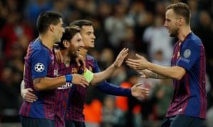 Ivan Rakitic (à droite) a déclaré qu'il courrait 5000 ou 10000 mètres pour Lionel Messi ou Luis Suárez s'il le fallait.