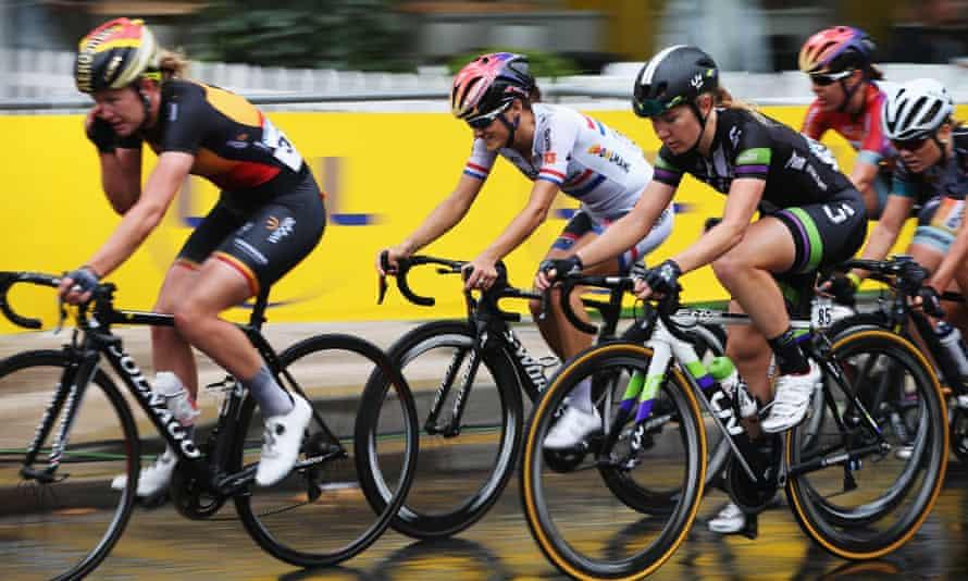 Great Britain's Lizzie Armitstead (centre) rides during the La Course By Le Tour De France 2015 women's race on 26 July in Paris