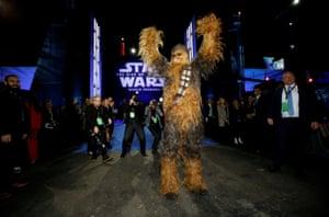 Chewbacca arrives.