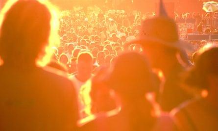 Sun-baked Glastonbury crowds at Worthy Farm, Pilton.