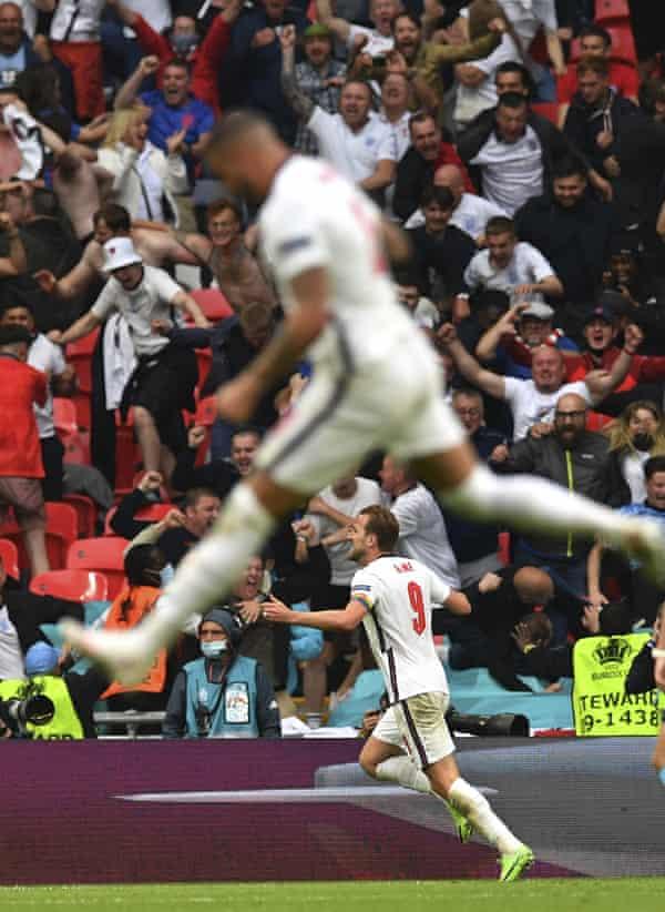 Harry Kane celebrates his goal against Germany