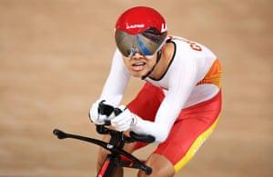 Zhangyu Li of China on his way to winning bronze in the men's C1 3000m individual pursuit.