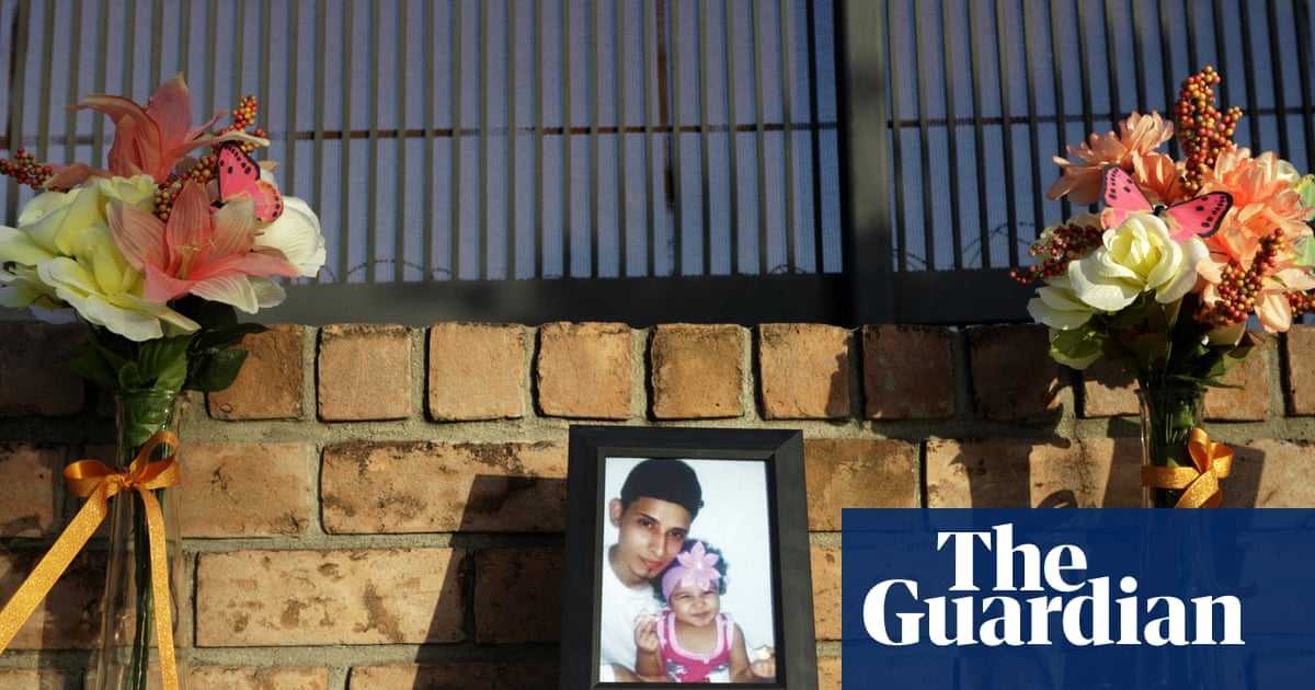 Drowned father and daughter mourned in private El Salvador ceremony