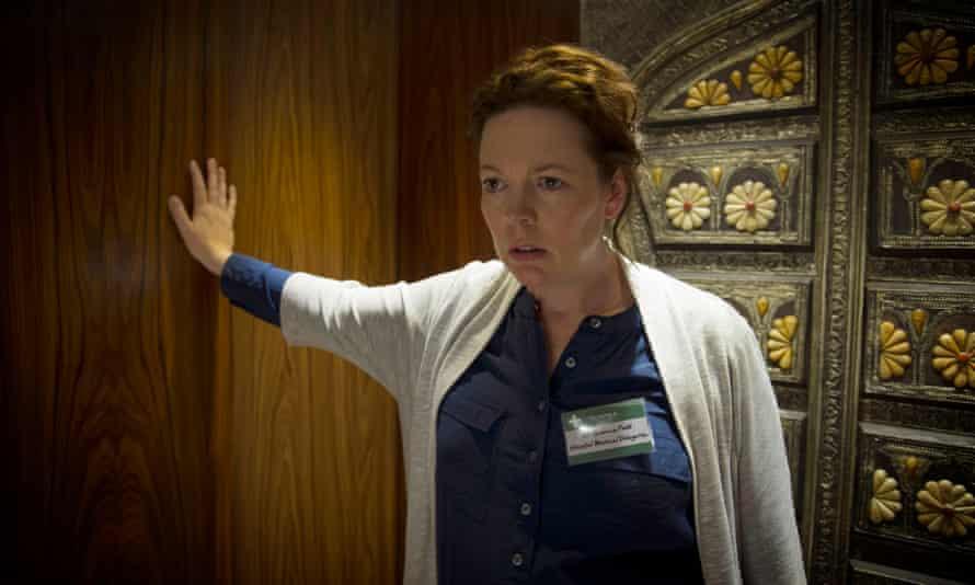 Burr (Olivia Colman).