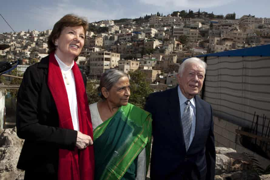 Mary Robinson with the Indian activist Ela Bhatt and the former US president Jimmy Carter in East Jerusalem for the NGO The Elders