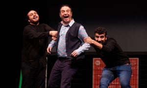 Alaa Shehada, Mark Thomas and Faisal Abualheja in Showtime from the Frontline.