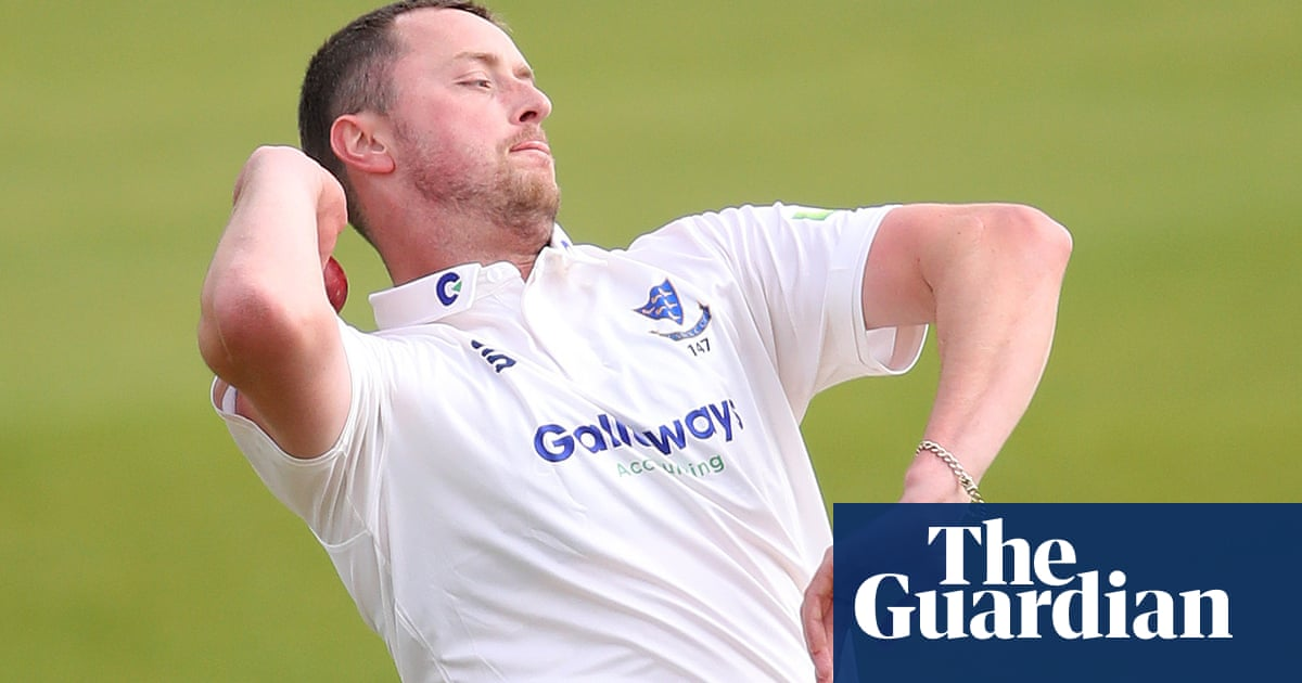 'At the peak of his powers': Robinson gets Gillespie's backing for England