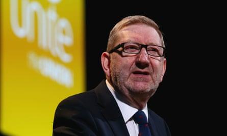 Len McCluskey is backing Jeremy Corbyn in the Labour leadership election.