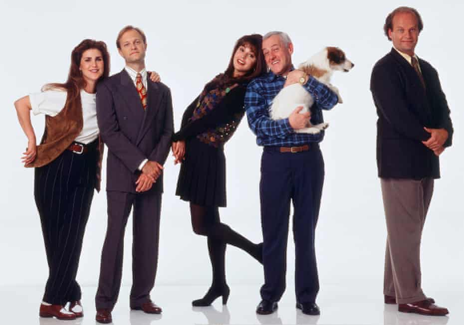 Peri Gilpin, David Hyde Pierce, Jane Leeves, John Mahoney, Moose and Kelsey Grammer in Frasier.