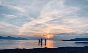 Kiteboarders on Opuzensko Usce beach finally call it a day