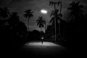 Koh Samui, Thailand, 2017, a photograph from Alan Schaller's Metropolis series