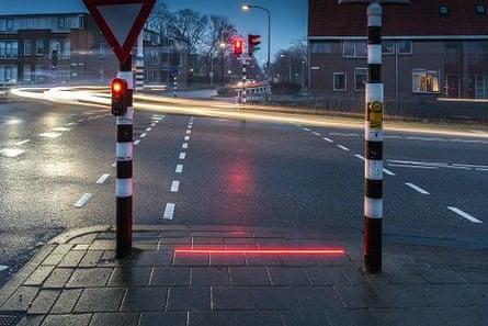 LED traffic light strip