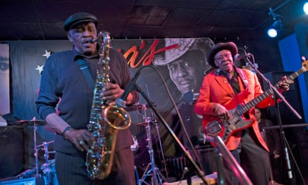 Blues musicians Eddie Shaw and Bob Stroger on stage at Rosa's Lounge, Chicago, Illinois, US.