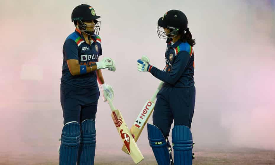 India's Smriti Mandhana and Shafali Verma will play in the 2020-21 Women's Big Bash League.