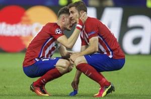 Saúl Ñíguez, left, and Gabi after losing the 2016 Champions League final.