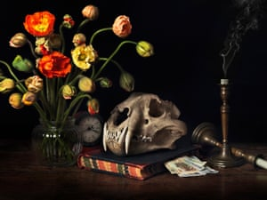 tiger skull with flowers and yuan