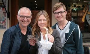 Jona, Gaby and Elger Oestreicher.