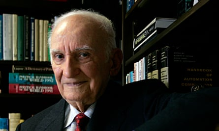 Simon Ramo in his office in California in 2005. He was an adviser to presidents from Eisenhower onwards, and taught at many universities, including Caltech and Harvard.