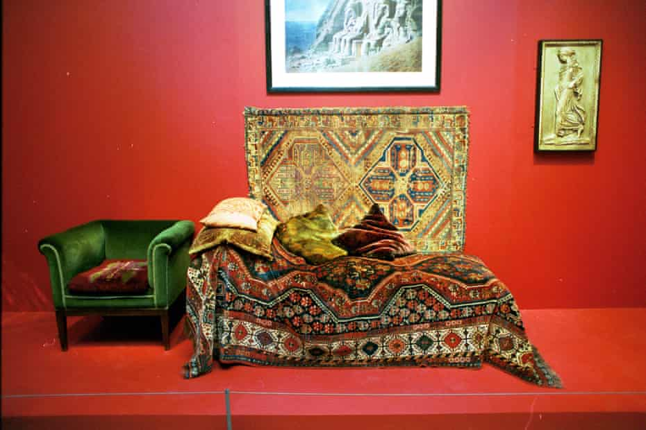 'Many psychologists expressed hesitance and caution about clinical solutions.' The psychoanalysis couch of Sigmund Freud, as shown in the Tate Modern.