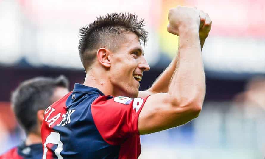 Krzysztof Piatek has scored 13 goals in 19 Serie A games for Genoa this season.