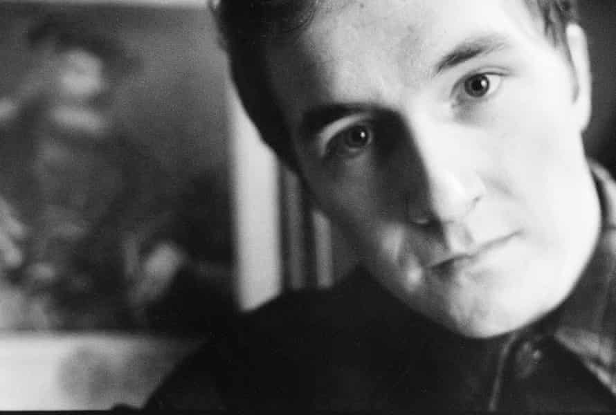 Grant McLennan of the Go-Betweens, which he co-founded with Robert Foster