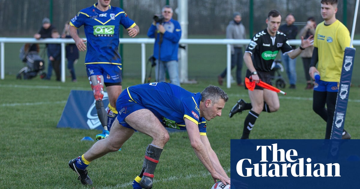 Adam Hills: Tacklers know which foot Ill step with – only one works