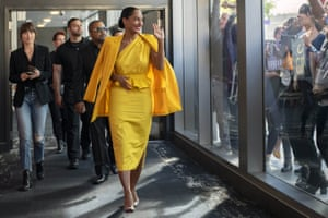 Tracee Ellis Ross (in yellow dress) with (from left) Dakota Johnson, Ricky Martin and Ice Cube in the film The High Note , 2020