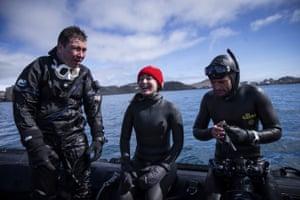 Ercümen talks to Prof Burak Karacık and diving instructor Jonathan Sunnex