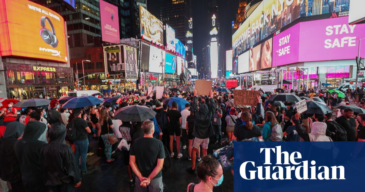 New York police hunt car that drove into BLM protesters in Times Square – The Guardian