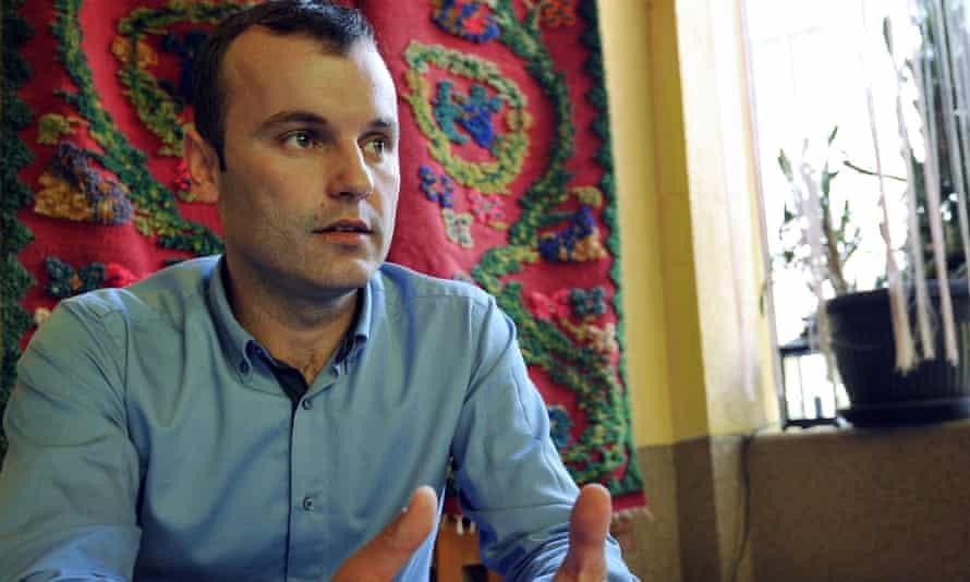 Mladen Grujicic, a Bosnian Serb, has been announced as Srebrenica's new mayor.