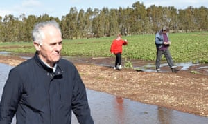 Malcolm Turnbull visits flooded properties in Virginia, South Australia