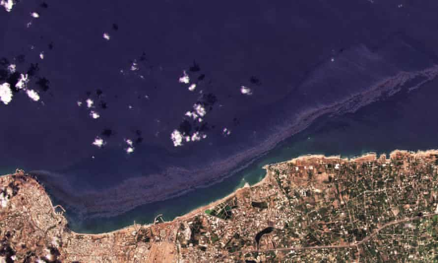 The oil spill off the coast of Baniyas, Syria on 24 August.