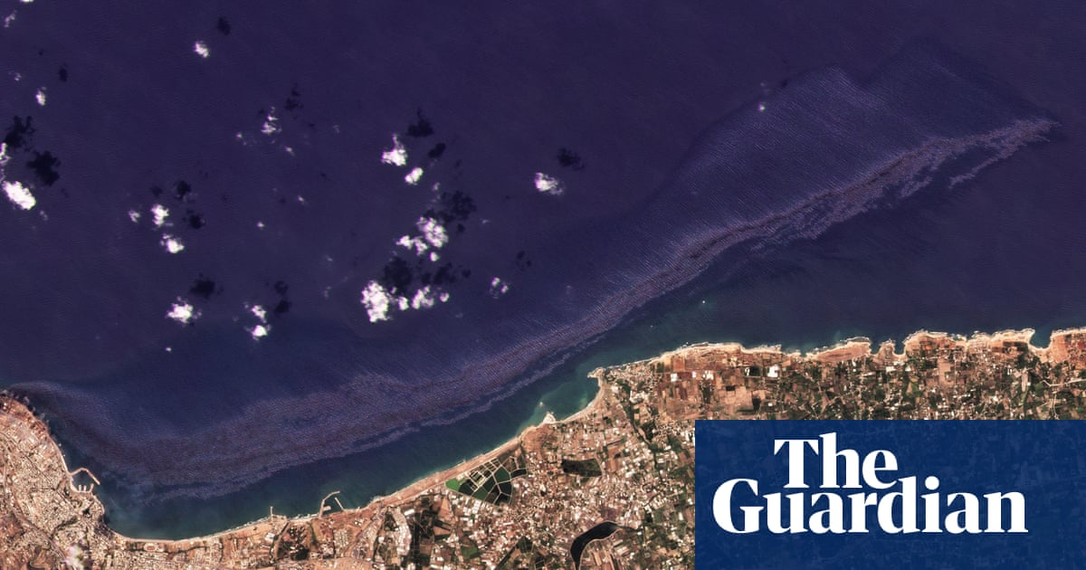 Syrian oil spill moving towards Cyprus appears to partially dissolve