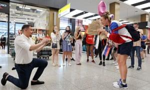 Vladimir Cheremisin proposes to Basketball player Anastasia Logunova