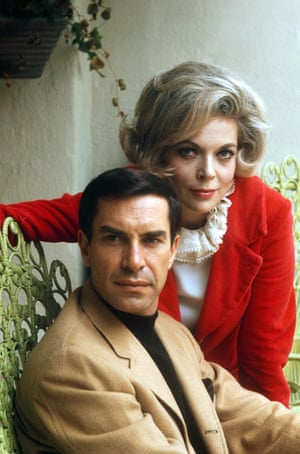 With his wife Barbara Bain. Landau was married to actress Barbara Bain from 1957 to 1993