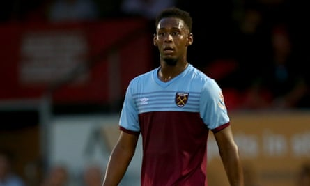 Reece Oxford made his final West Ham appearance in a pre-season friendly at Dagenham & Redbridge.