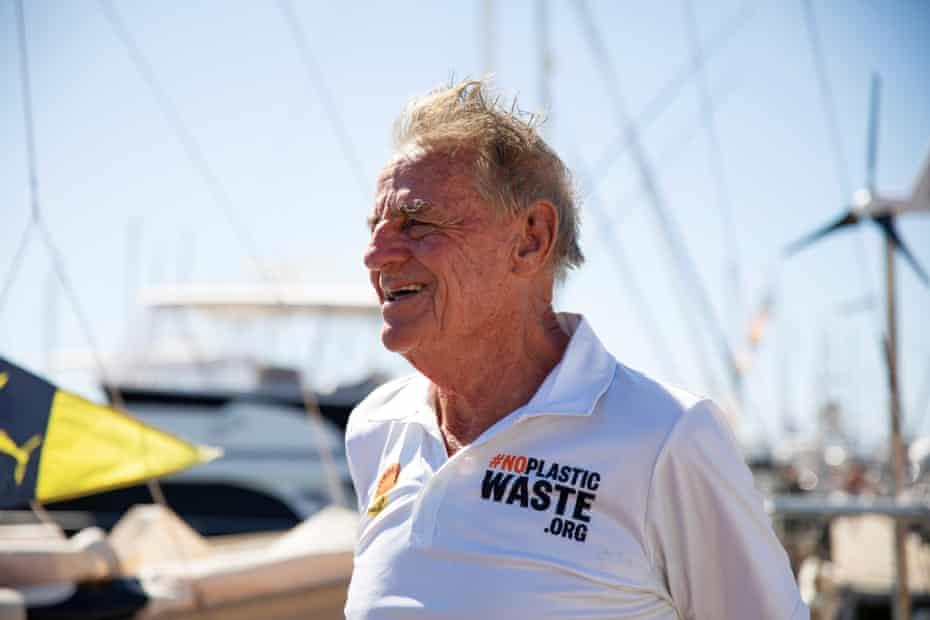 Jon Sanders sails the Perie Banou II into Western Australia's Fremantle Harbour on 31 January 2021