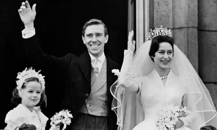 Lord Snowdon Royal Photographer Dies Aged 86 Uk News The