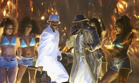 '21 Seconds gave hope to young, black Britain' … Ashe D and Megaman, centre, with So Solid Crew at the 2002 Brit awards, where they won best video.