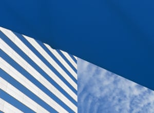 Sky Building (Long Beach, California) by Nikola Olic