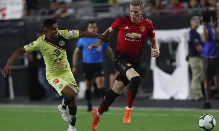 Manchester United in action against Club América at Phoenix Stadium in a friendly ahead of the 2018 tournament.
