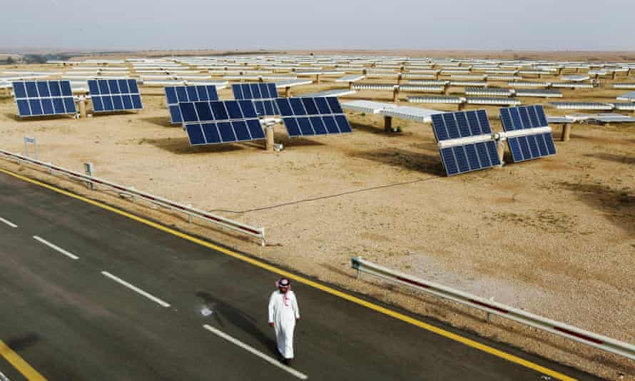 A field of solar panels at the King Abdulaziz city of Sciences and Technology, Al-Oyeynah Research Station in Saudi Arabia